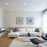 гостинная с белым диваном
