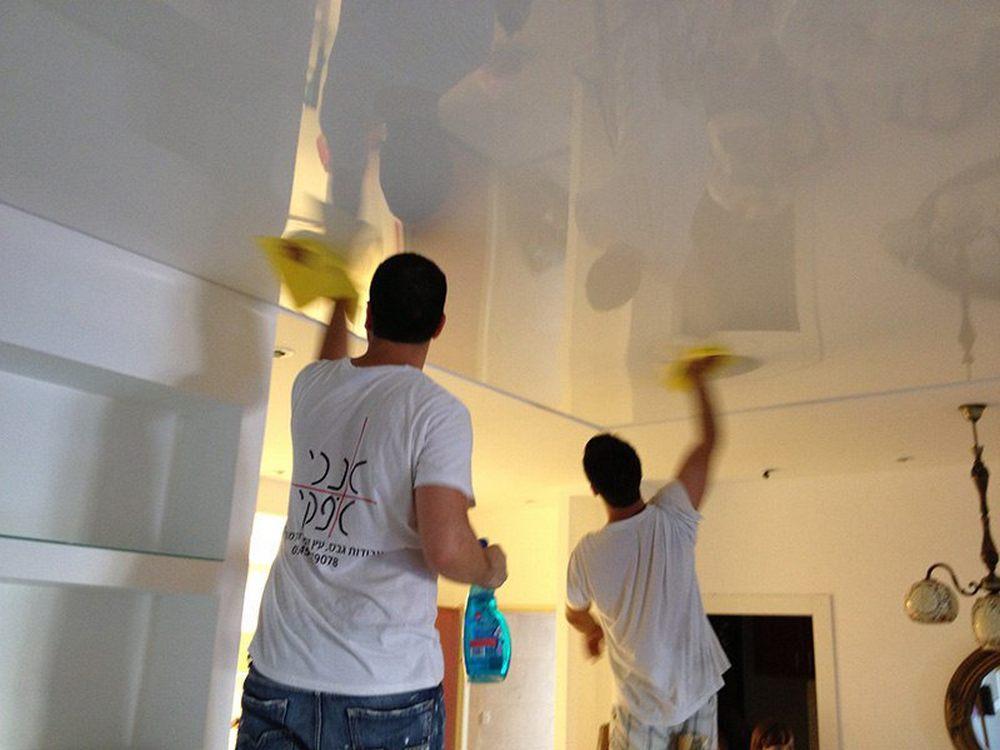 Когда нужно мыть натяжной потолок